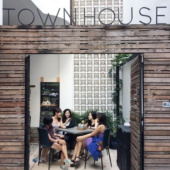 Town House Saigon luôn chào đón du khách- Ảnh: ninagerodias