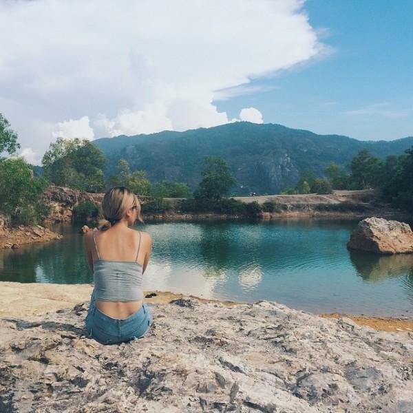 Hồ nước trong xanh và đpẹ tuyệt. Tuy nhiên chỉ được ngắm cảnh chứ không được tắm ở đây nha. Hà Xinh on Instagram