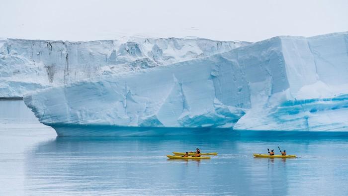 Những Nam Cực cũng đang dần mất đi vẻ hoang sơ bởi sự tác động của ngành du lịch