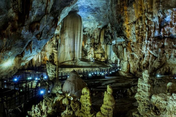 Bạn có sẵn sàng thám hiểm hang động đẹp tựa chốn thiên đường như thế này không?