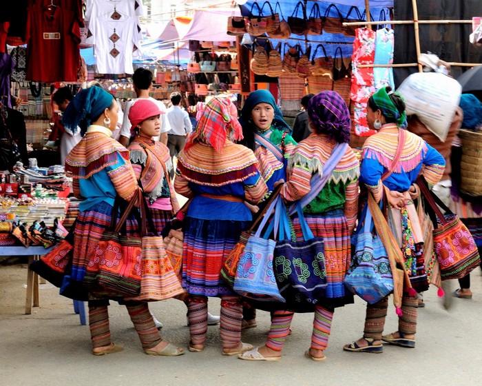 Một buổi chợ phiên đầy sắc màu ở Bắc Hà