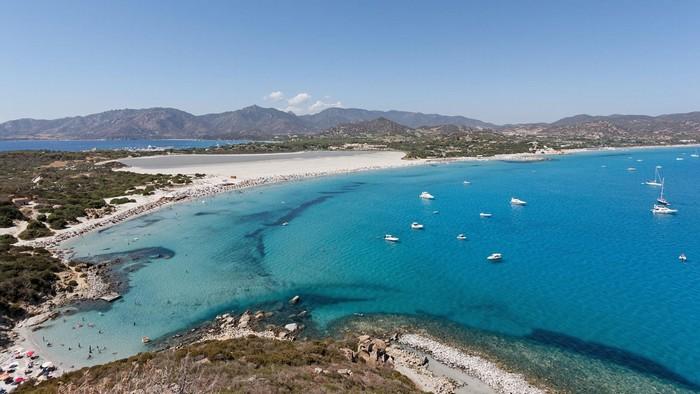Trở về cùng biển xanh cát trắng nắng vàng ở Sardinia