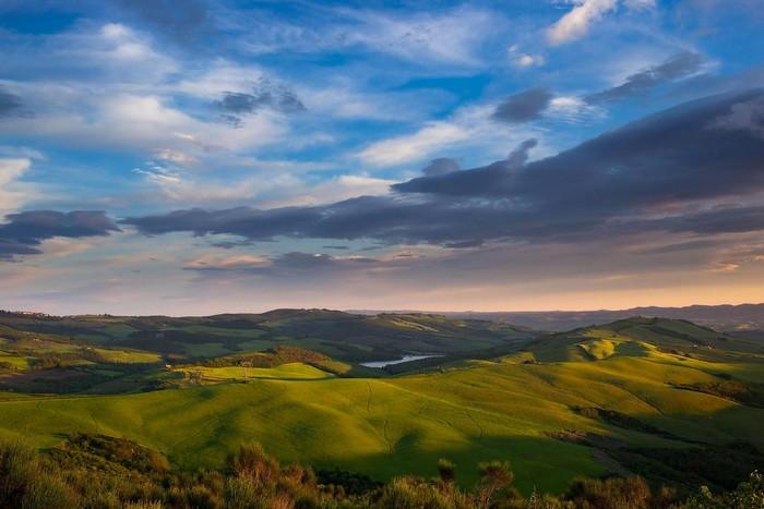 Tuscany không chỉ nổi tiếng bởi núi đồi thênh thang