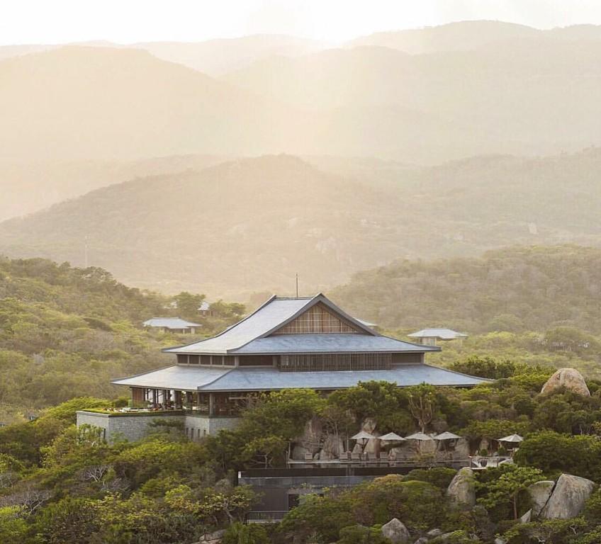 Toàn cảnh resort trên núi Amanoi.