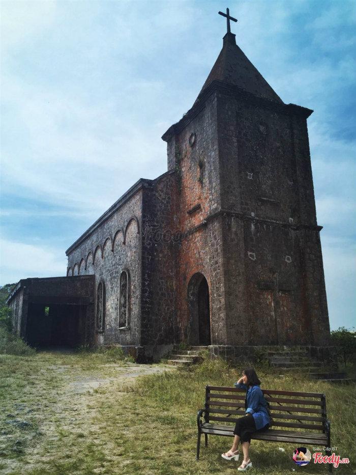 Đây là nhà thờ mà người Pháp đã cho xây dựng khoảng năm 1921