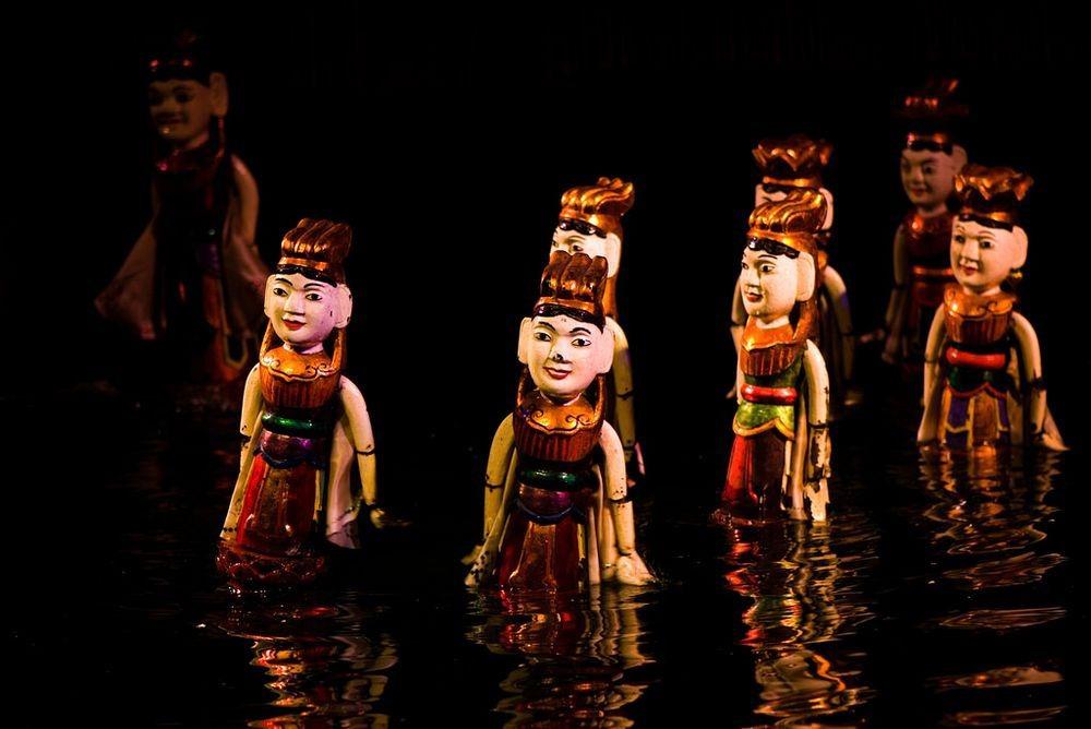 Hàng thế kỷ qua, nhiều trẻ em và người lớn Việt Nam được giải trí bằng một loại hình rối đặc biệt - múa rối trên nước