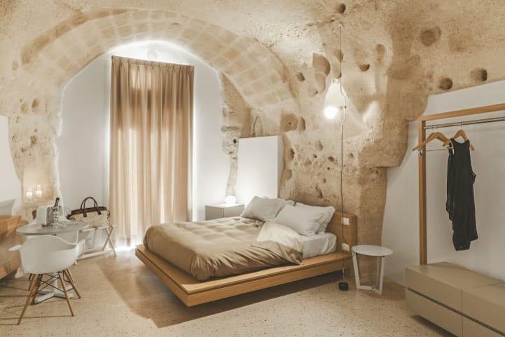 Lý giải cho lựa chọn này, đội thiết kế cho biết tông trắng sẽ khiến không gian rộng rãi, thoáng đãng.