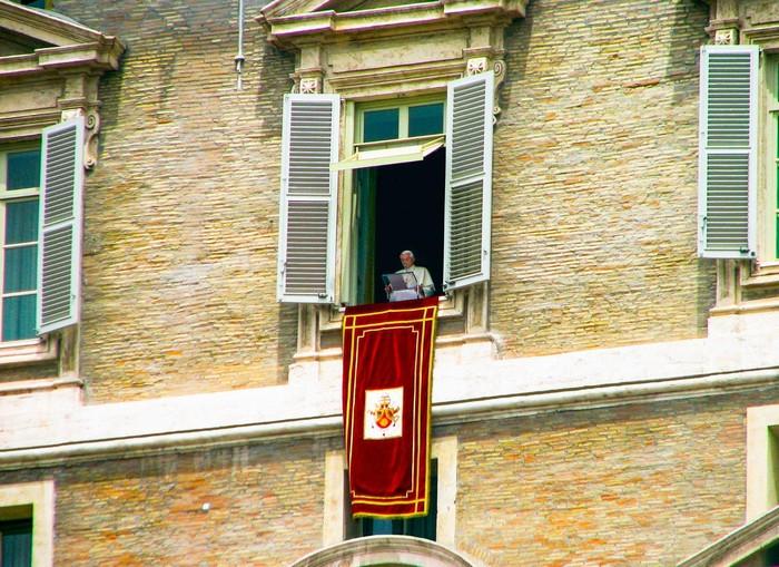Bạn sẽ chẳng thể nghe thấy danh xưng Phó Giáo hoàng tại Vatican