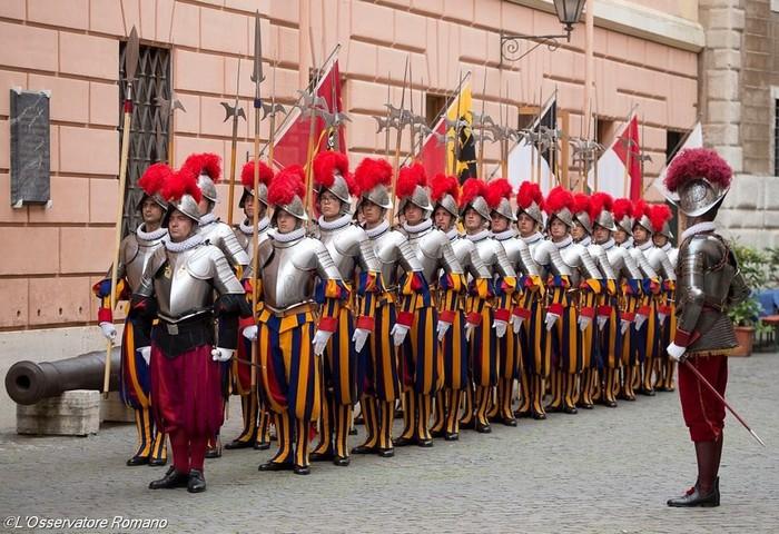 Vệ binh Thụy Sỹ là những người đã bảo vệ Vatican từ hơn 500 năm trước