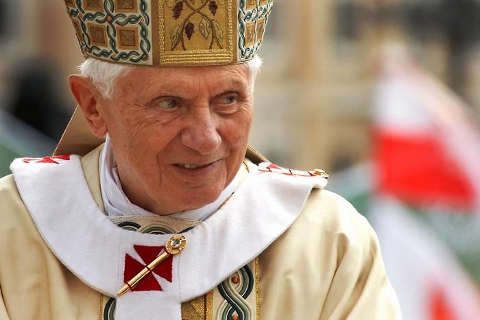 Giáo hoàng Benedict XVI là người thường xuyên gửi các tin nhắn nội dung bài giảng