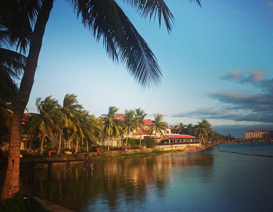Hội An Beach thơ tình ngay dòng sông Đế Vọng
