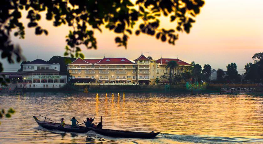 Victoria Châu Đốc nép mình bên dòng sông Hậu