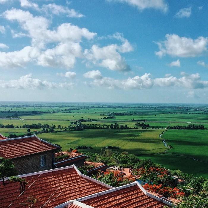 View từ Victoria Núi Sam Lodge- Ảnh: hthaotran