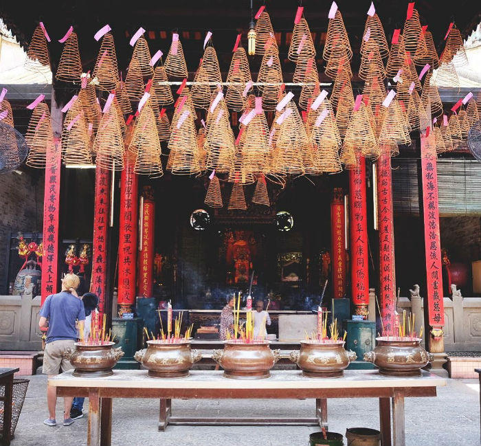 Vẻ huyền ảo của chùa Bà Thiên Hậu