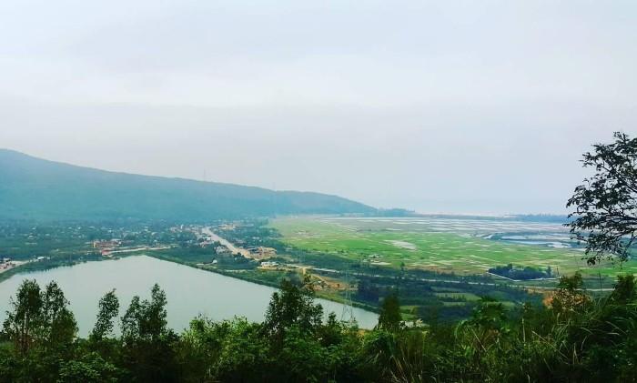 Khung cảnh thiên nhiên tuyệt đẹp nhìn từ Đèo Ngang - Ảnh: anna.nguyen1204