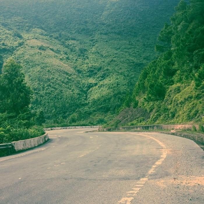 Đèo Ngang – núi non trùng điệp - Ảnh: huutho.la.vn