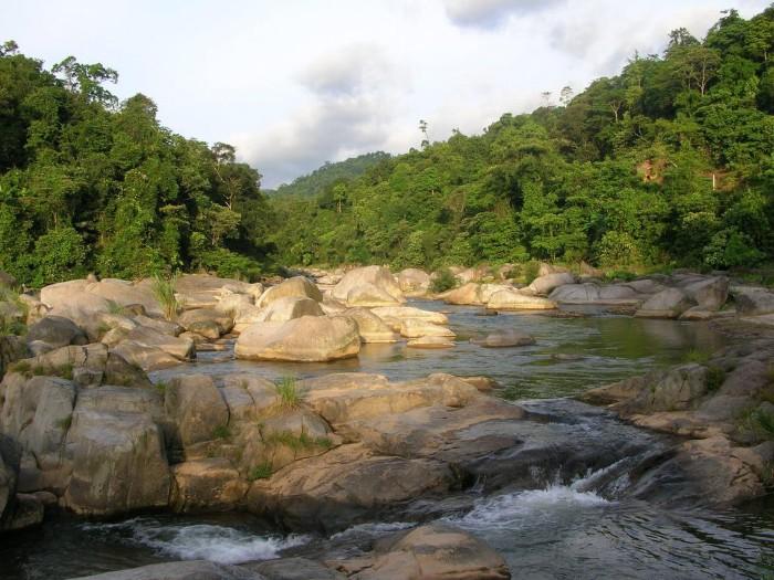 Thiên nhiên hùng vĩ khu du lịch sinh thái suối nước nóng Sơn Kim - Ảnh: Kiên Chi