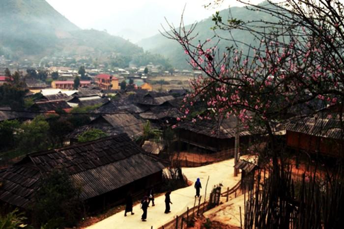 Đó là Ngọc Chiến, bản làng cao nhất của huyện Mường La