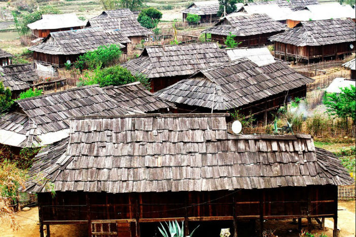 Nơi tập trung hàng trăm mái nhà nhỏ làm bằng gỗ pơmu
