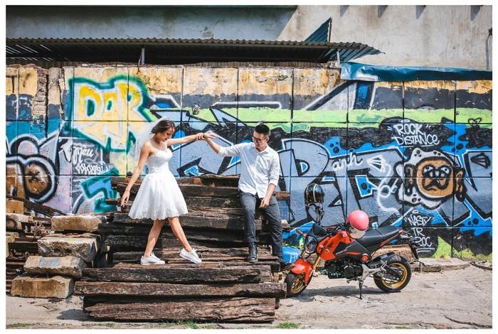 Hà Nội sẽ biến ảnh cưới của mọi người thành cổ tích giữa hiện đại. -Ảnh: Dương Mai Việt Anh