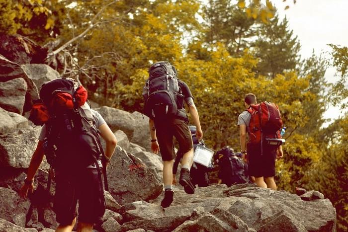 Nên phượt theo đoàn thay vì một mình để đỡ nguy hiểm hơn