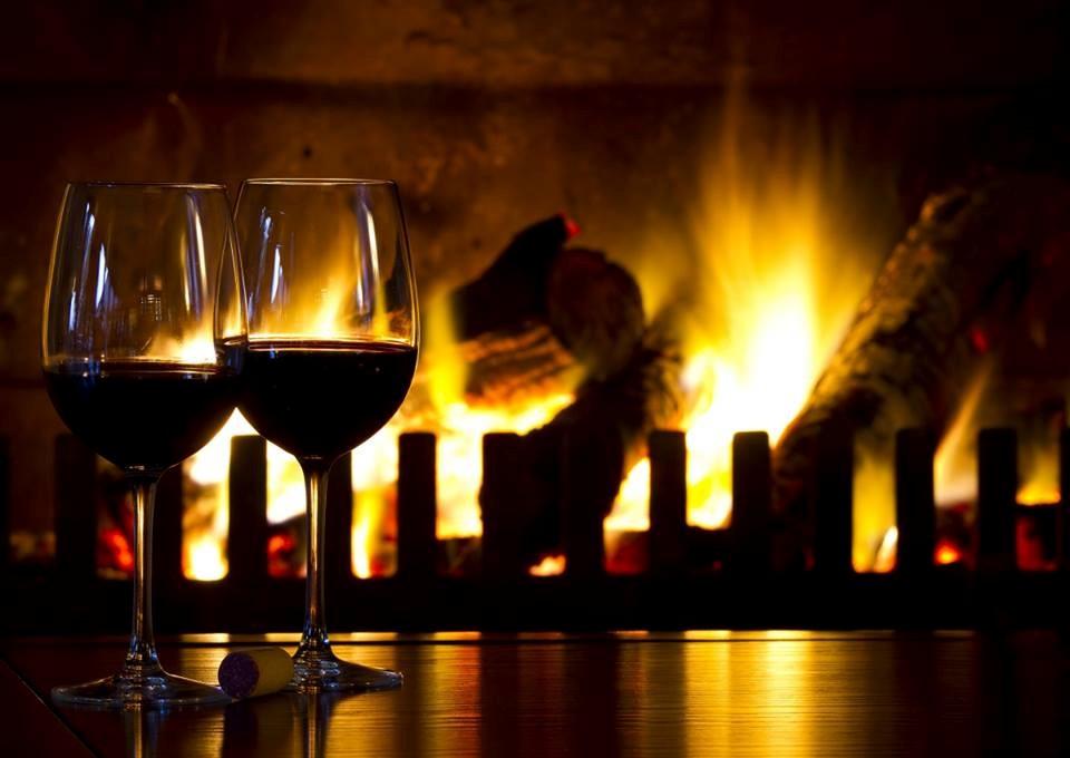 Thưởng thức rượu vang trong lâu đài RD hẳn sẽ mang đến những cảm xúc khó tả cho du khách