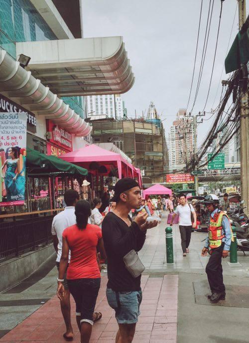 Là lần đầu tiên tự túc sang Thái Lan, bạn Tuấn Anh