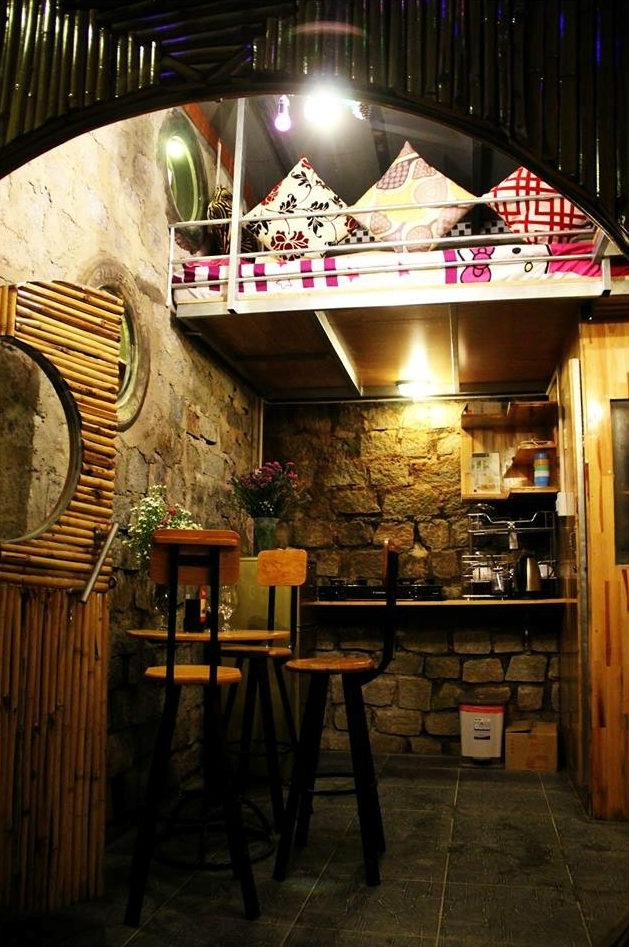 Nhà bếp, phòng ăn view từ ngoài cửa chính