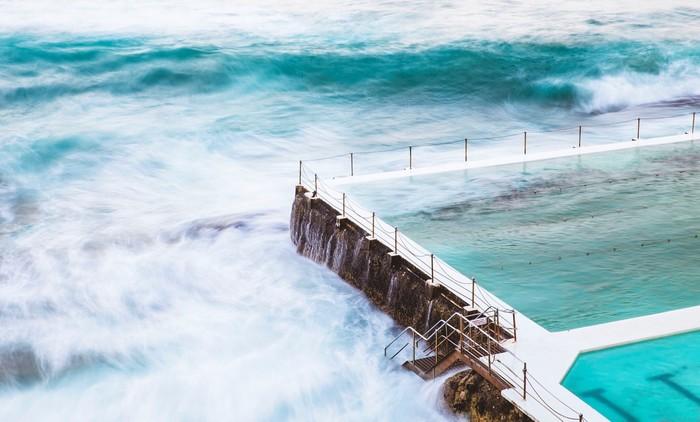 Bể bơi ngay sát bờ biển Bondi với khung cảnh tuyệt đẹp