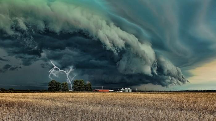 Học cách phòng tránh những cơn bão trên đường du lịch