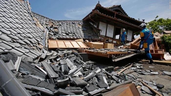 Khắc phục hậu quả sau động đất