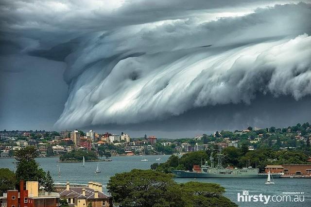 Thảm họa sóng thần