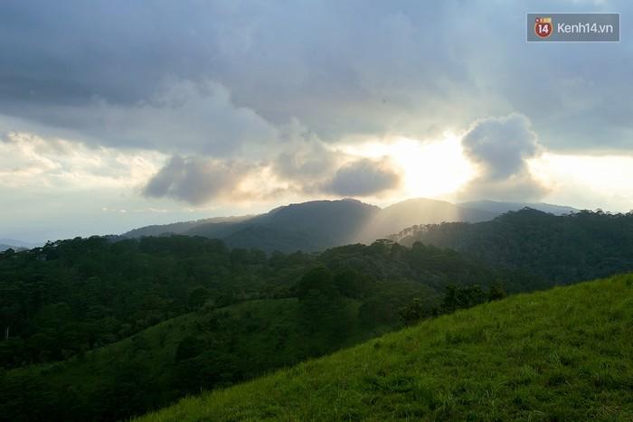 Trekking và cắm trại ở đồi Tà Năng: Đi để thấy mình còn trẻ và còn nhiều nơi phải chinh phục - Ảnh 23.