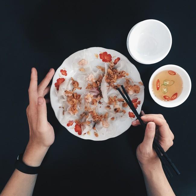 Bánh hoa hồng trắng - Bánh Hoa Hồng: 533 Hai Bà Trưng. Giá: 40.000đ.