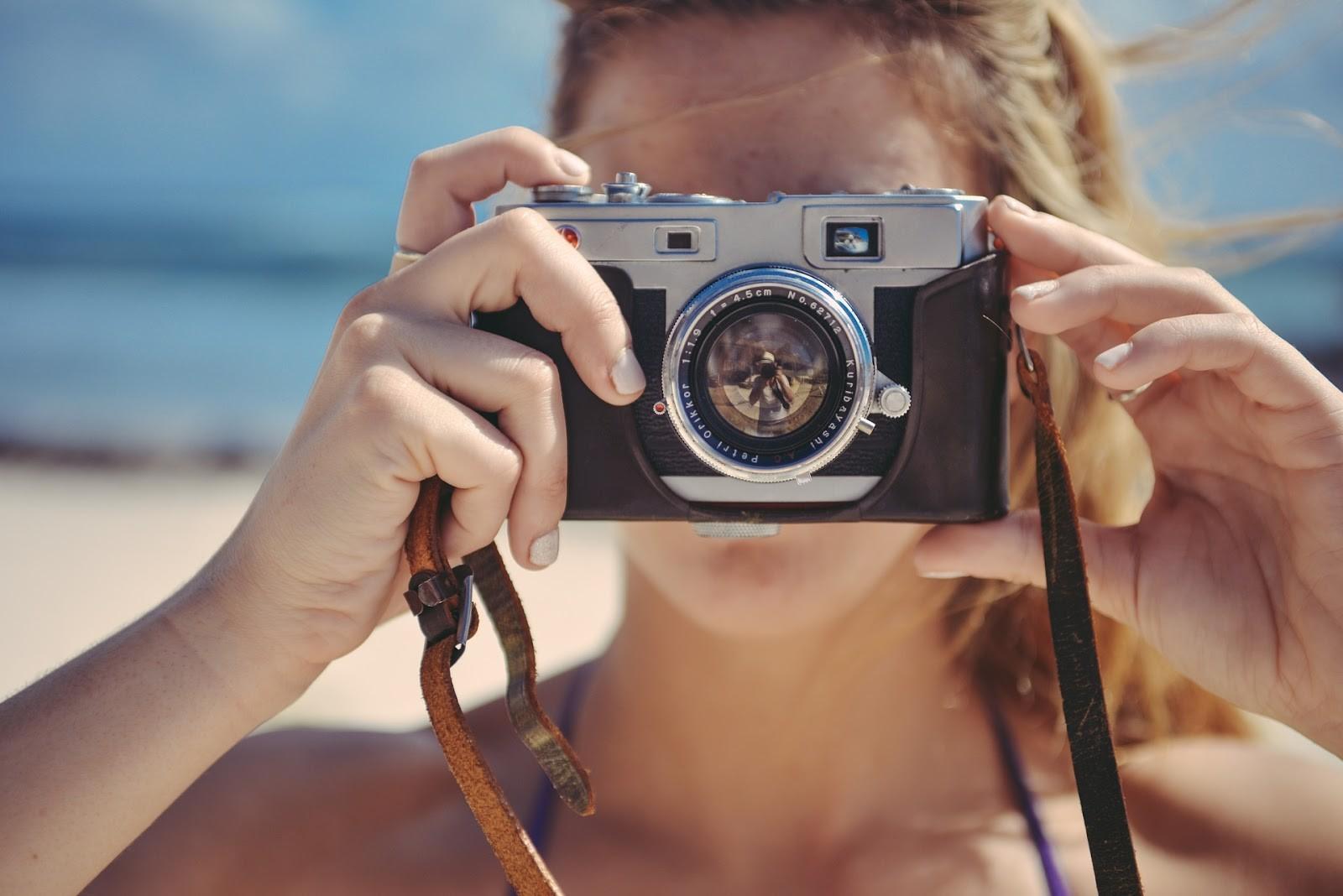 Bạn nên đầu tư một chiếc camera xịn một chút nếu có ý định kiếm tiền bằng chụp ảnh