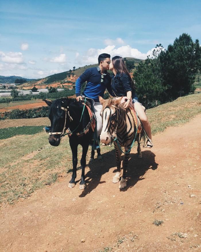 Cưỡi ngựa trên LangbiAng- Ảnh: jeremy_le9x