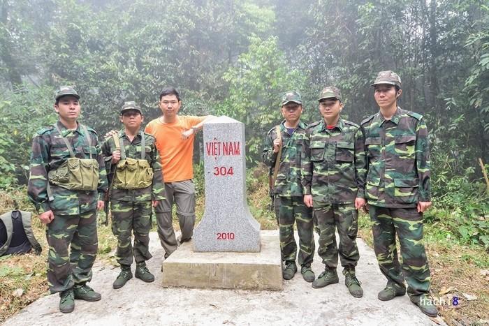 Cột mốc 304 ở biên giới Việt - Lào