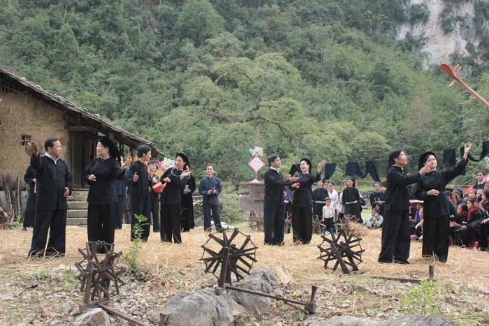 Du lịch Cao Bằng, bạn có dịp hiểu hơn về di sản văn hóa truyền thống độc đáo của người dân tộc nơi đây