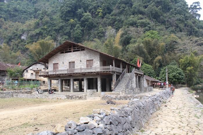 Bạn nên chú ý một chút khi vào thăm các bản làng dân tộc