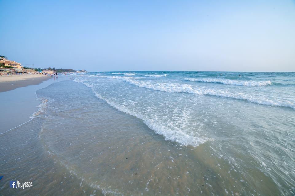 Vùng biển Dinh Cô yên bình, hoang sơ