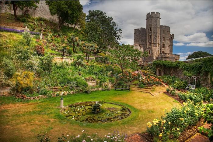 Khu vườn Nữ hoàng đẹp tựa cổ tích bên lâu đài Windsor