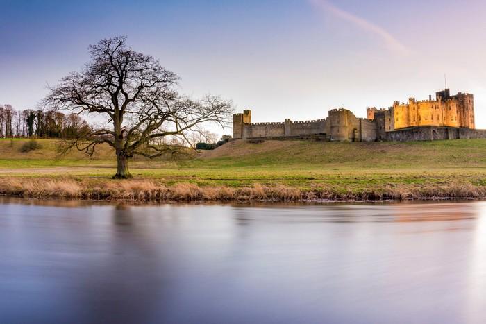 Cảnh quan thơ mộng bên lâu đài Alnwick