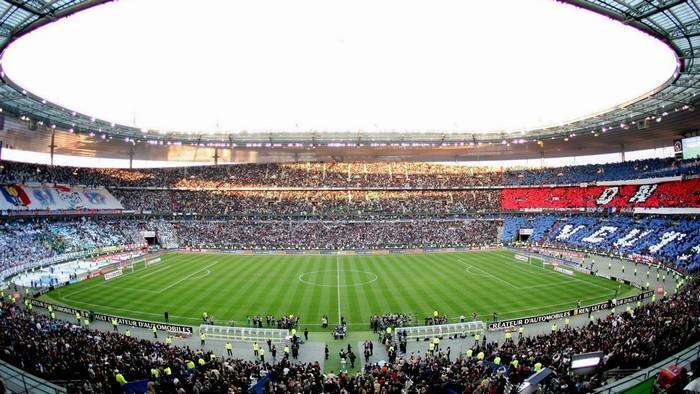 Cả sân vận động ngập tràn sắc Euro 2016