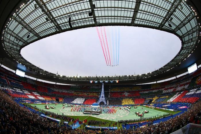 Rực rỡ sắc màu UEFA 2016