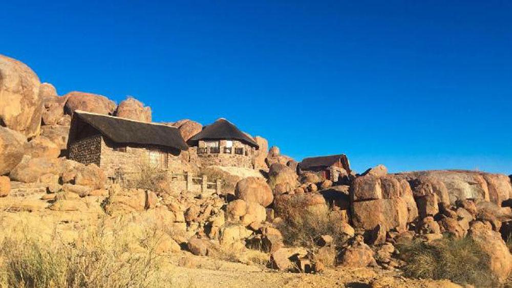 Eagle's nest, chân núi Aus, Namibia
