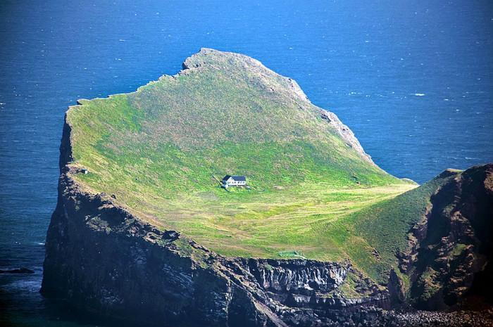 Ngôi nhà trên đảo Ellidaey, Iceland