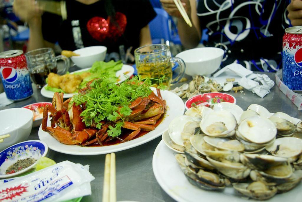 Những bữa tiệc hải sản hấp dẫn là điều du khách không thể bỏ qua khi đến với Đà Nẵng