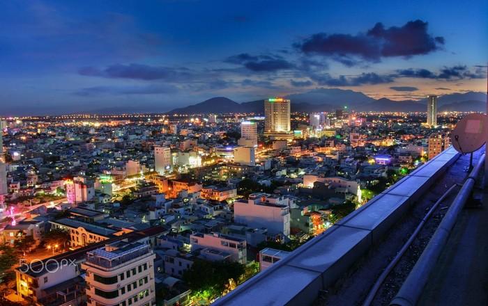 Trung tâm thành phố Đà Nẵng – nơi tập trung khá nhiều khách sạn phân khúc tầm trung