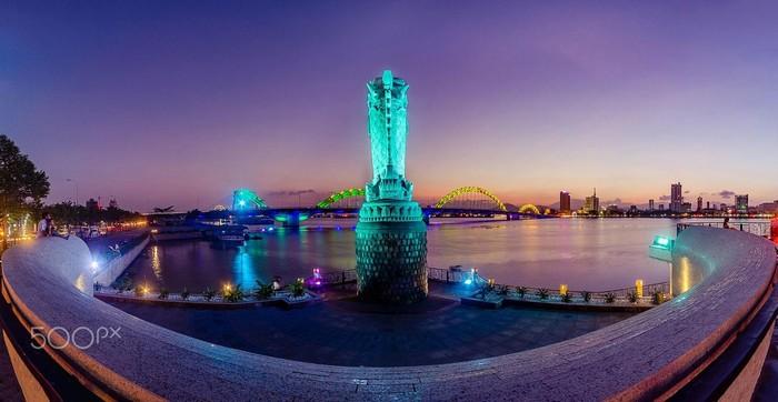 Tượng Cá chép hóa Rồng – biểu tượng mới của du lịch Đà Nẵng