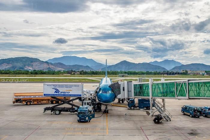 Hằng ngày có rất nhiều chuyến bay từ Sài Gòn, Hà Nội đến Đà Nẵng